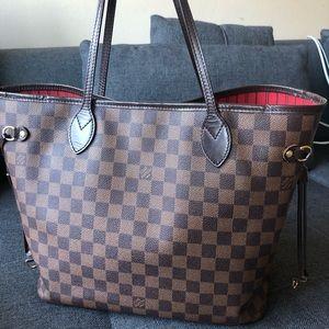 Louis Vuitton Bags - Authentic Louis Vuitton Neverfull Damier MM